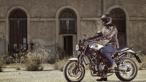 Yamaha con la XSR700 a The Reunion