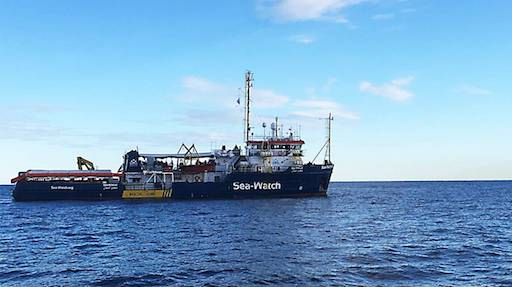 Sea Watch, la procura ha fatto sbarcare i migranti a Lampedusa